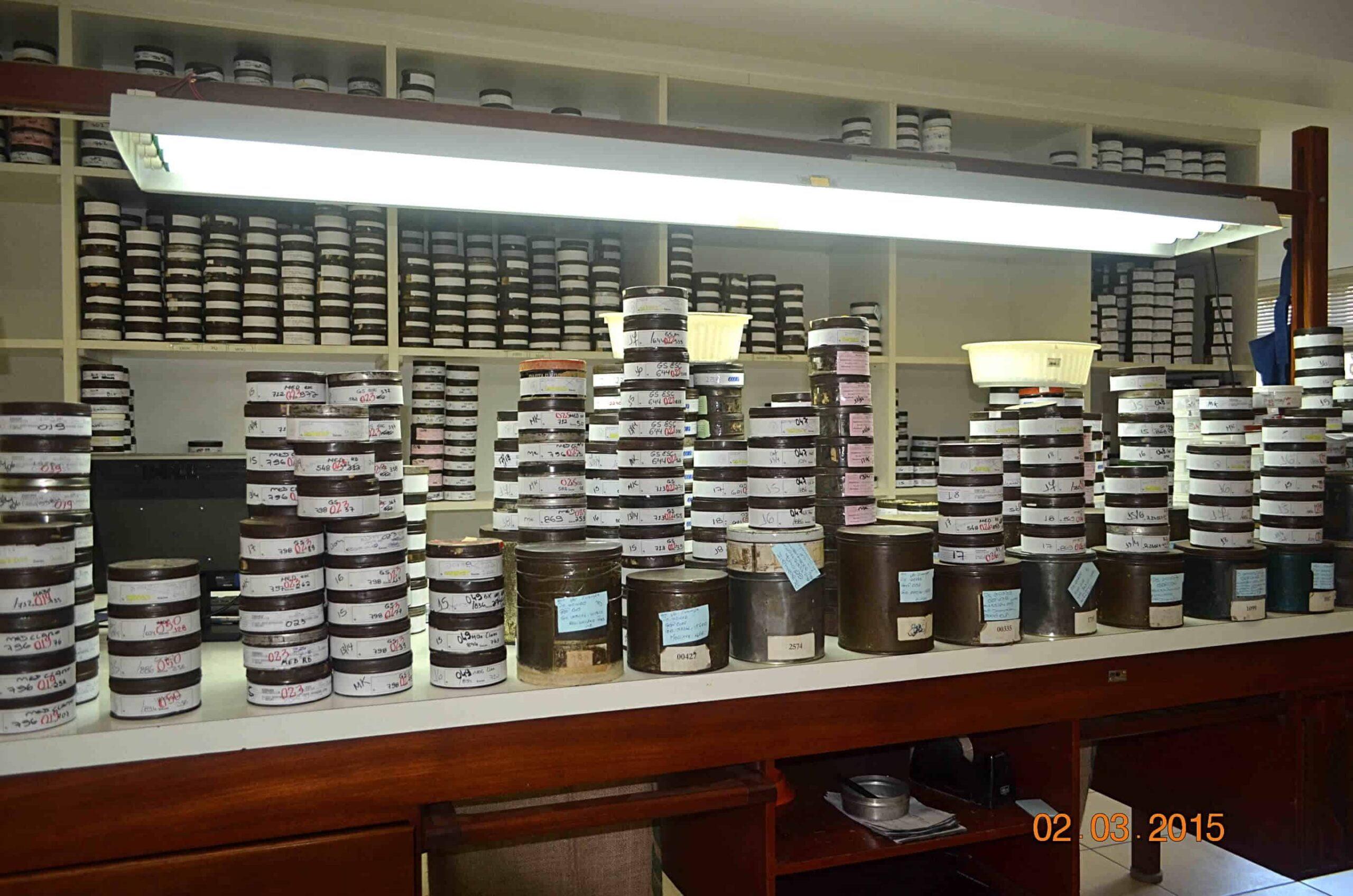 Grading wBrazylii – Klasyfikacji gradingowej poddawane są losowo wybrane próbki 100g lub 300 g kawy.